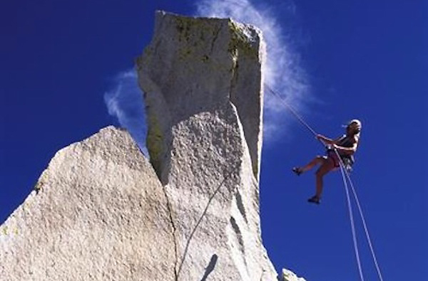 Climb Safe: Rappelling - Surviving Climbing's Diciest Business
