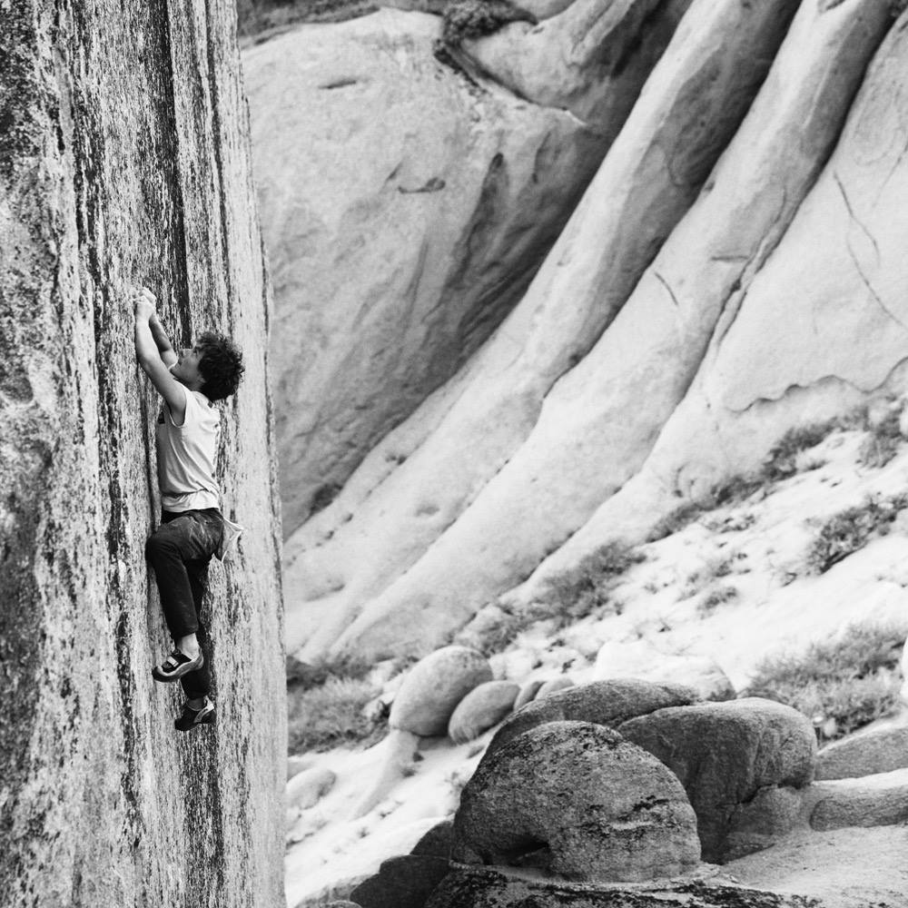 Buhl on Too Big to Flail (V10). Photo: Stefan Schlumpf.