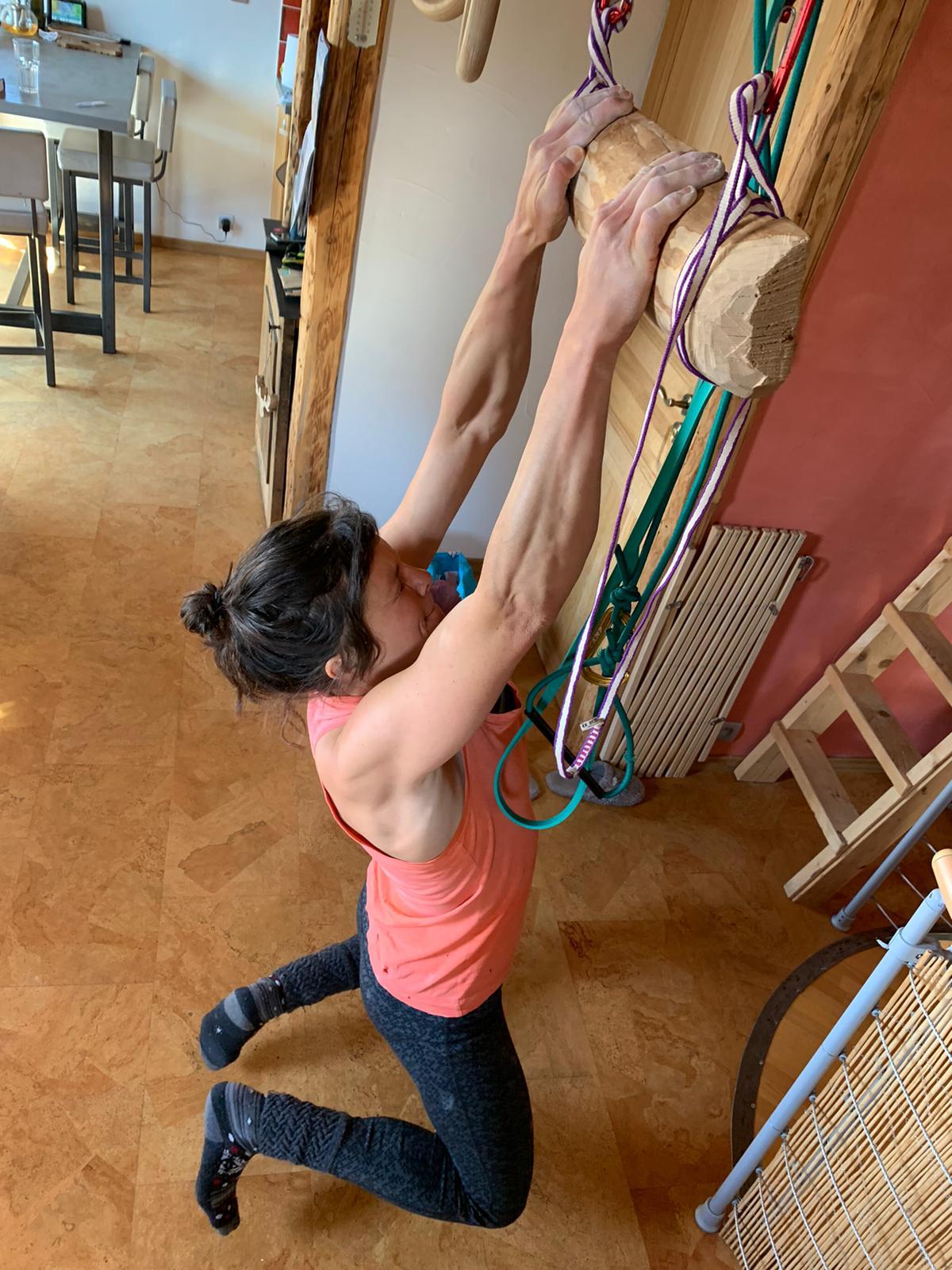 Nina Caprez training during quarantine.