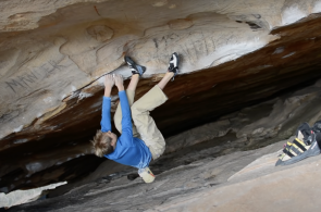 Cleaning Graffiti in the Grampians with Alex Megos
