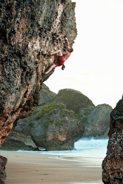 Chris Sierzant on Trufa Tufa, a fun and easy boulder problem at Aguadilla.