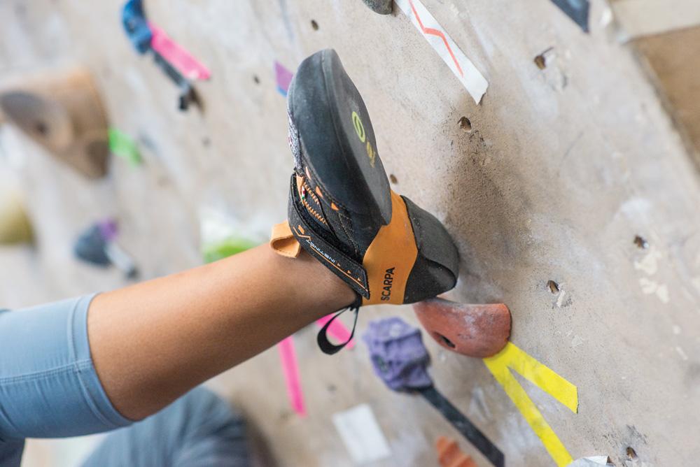 how to climb - heel hooking