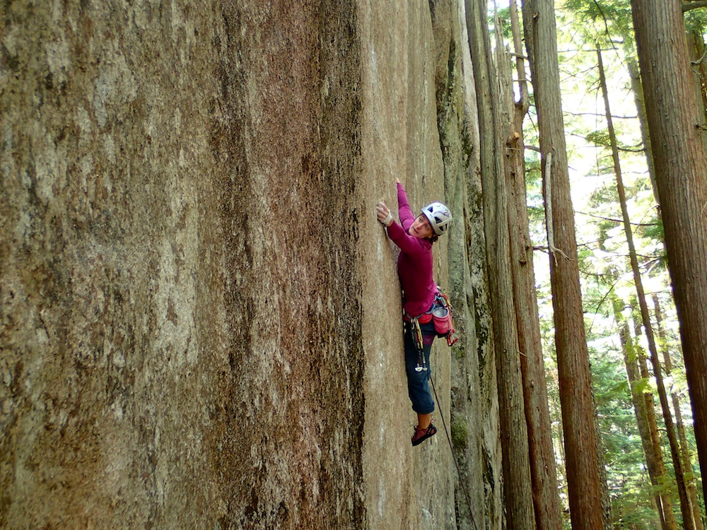 Weldon feels out the holds of the Adder Crack. Photo: Andrew Weldon.