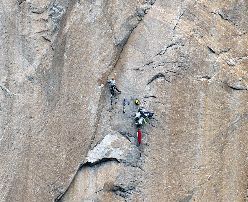Meghan Curry solo aid-climbing on  em Mescalito  em  ( 4e8c01c785ea