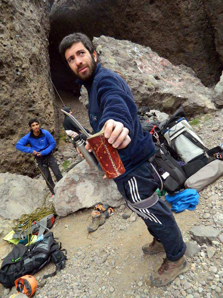 Andy Weber shares his pre-climbing yerba mate at Las Chilcas crag in central Chile. You'll be hard pressed to find a Chilean climber without this caffeinated beverage. Photo: Guillermo Sapaj.