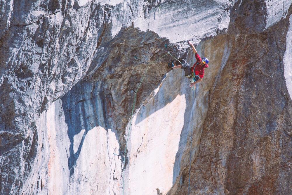 Kilian Fischhuber on the 250-meter <em>Headless Children</em> (8b/5.13d), Rätikon, Switzerland. Photo: H. Mair/Red Bull Content Pool.