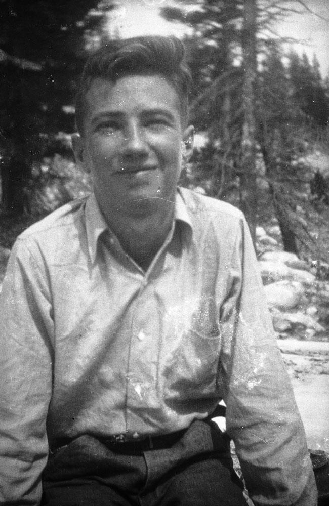 A young Glen Dawson in the Sierra Nevada, 1931. Photo courtesy of the Glen Dawson Collection.
