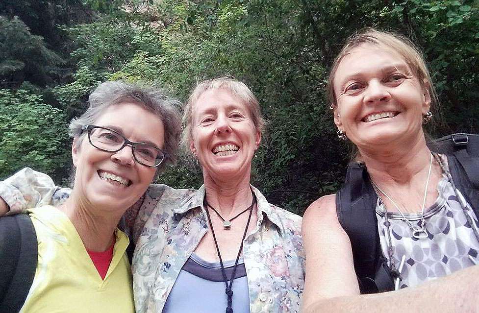Melissa Raue (left), with Stef Day (middle) and Jackii Pellett (right). Photo courtesy of Jackii Pellett.